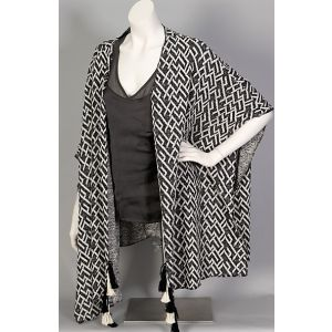 Sublevel Poncho/Cape D1155V01460A